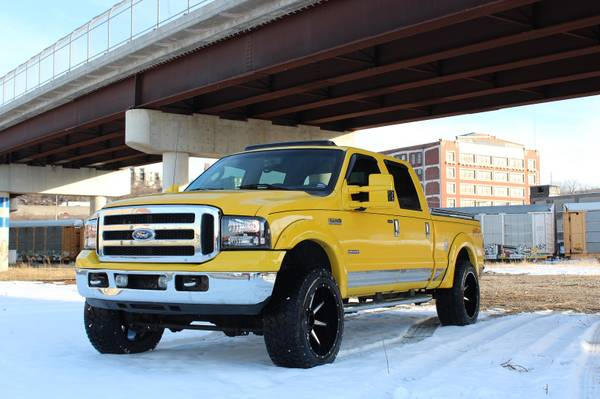 Photo 2006 Ford F250 FX4 AMARILLO lifted on 22x12s 35s, turbo diesel, 1ownr - $13499 (Kansas City, Missouri)