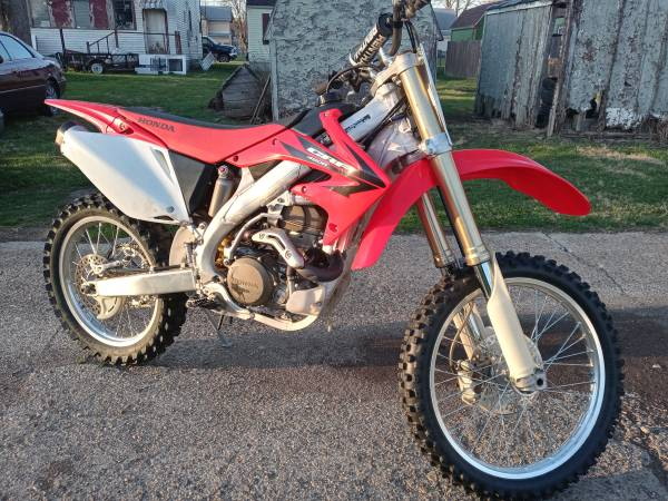 Photo 2006 Honda 450R, Racing, Low Hours 70, Excellent, Clear Title, $4850 - $4,850 (Olathe)