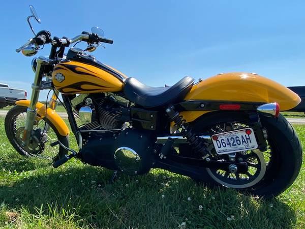 Photo 2011 Harley David FXDWG - $7,550 (Kansas City north)