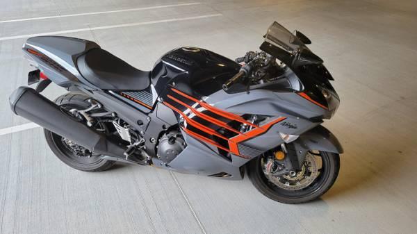 Photo 2018 Kawasaki Ninja ZX-14R ABS - $10,200 (LEAWOOD)