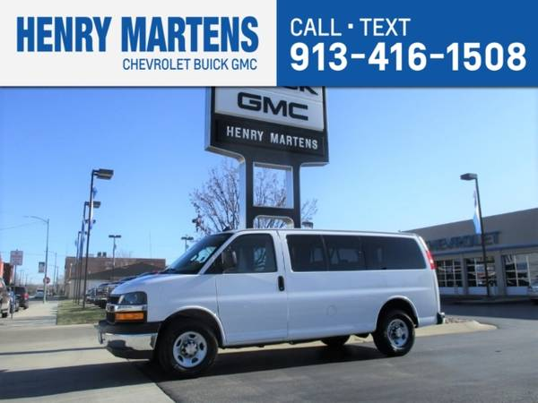 Photo 2019 Chevrolet Express Passenger LS - $23983 (_Chevrolet_ _Express Passenger_ _Van_)
