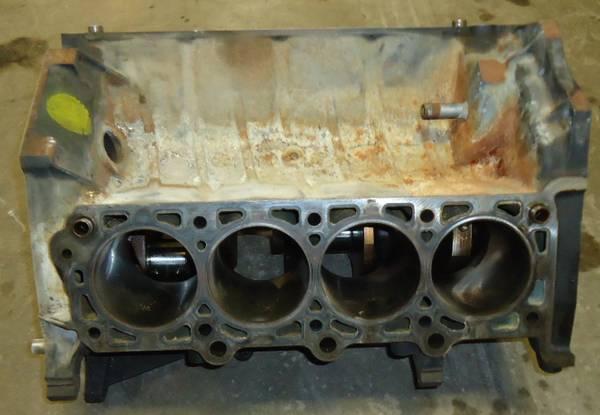 Photo 4.6 rebuildable core block 96-04 Mustang GT shortblock - $50 (Lawrence)