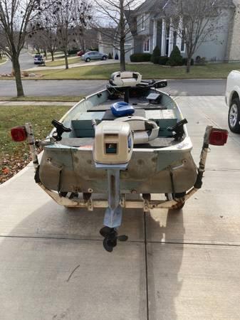 Photo Aluminum 14 ft boat - $1,700 (Lenexa)