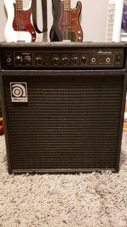 Photo Ampeg BA112 Bass Amp - $225 (Shawnee)