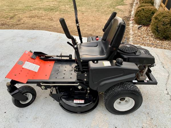 Photo Ariens (Gravely) 1634 34 mini zero turn mower - $1200 (Oak Grove Missouri)