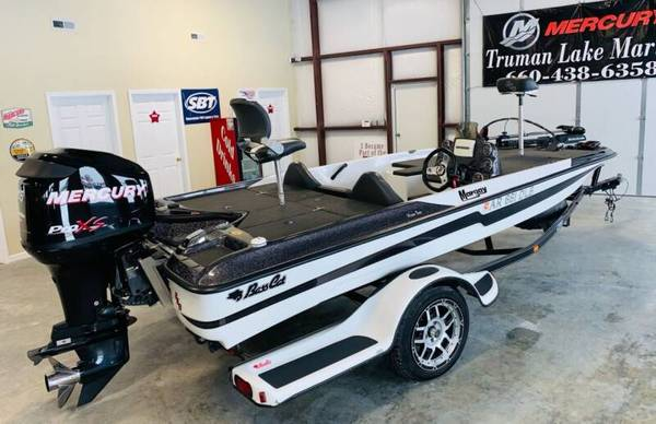Photo BASS BOAT JUST IN 2012 BASS CAT MARGAY WITH ONLY 127 HOURS - $20995 (TRUMAN LAKE MARINE- WARSAW, MO)