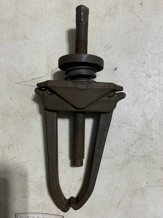Photo BLUE-POINT PULLER - $100 (S. KC.)