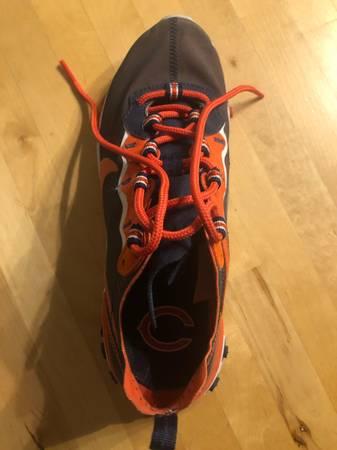 Photo Chicago Bears Youth Nike Shoes Size 6 - $50 (Kansas City)