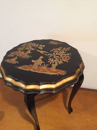 Photo Chinese Table, Asian Side Table, Small Table - $67 (Zona Rosa)