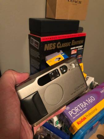 Photo Contax T2  Yashica T4 - $800