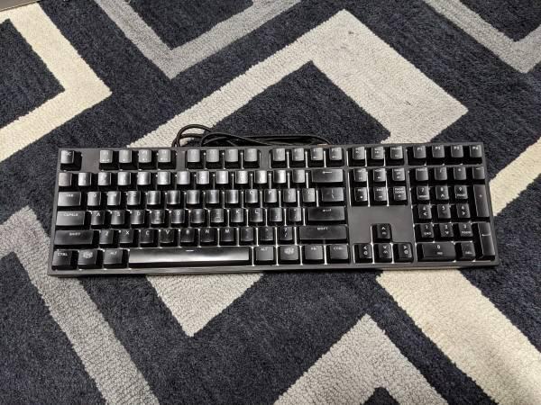 Photo Cooler Master Masterkeys Pro L backlit mechanical keyboard - $60 (Olathe)