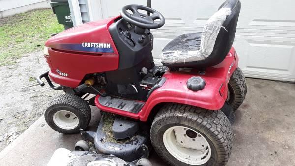 Photo Craftsman GT 5000 garden tractor - $600 (Raytown)