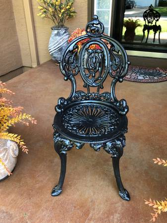 Photo Early 20th Century French Victorian Cast Iron Garden Chair - $310 (Olathe)