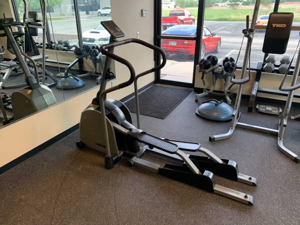 Photo Elliptical Trainer Vision Fitness - $125 (Olathe)