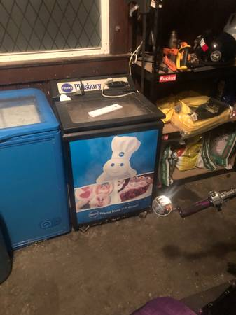 Photo Free Pilsbury Doughboy mini fridge (Kansas City)