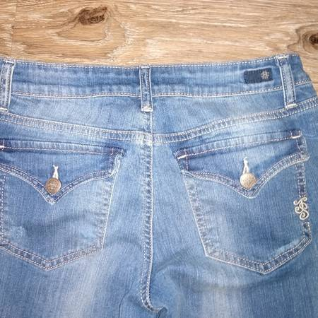 Photo Jessica Simpson Sunset Bootleg Distressed sz27 - $10 (Overland Park)