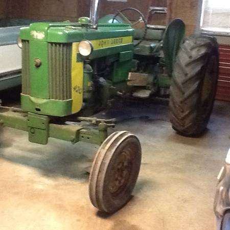 Photo John Deere 420 - $3250 (Louisburg)
