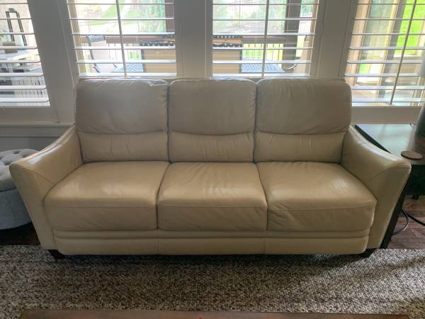 Photo La-Z-Boy Leather Couch and Loveseat - $600 (Olathe)