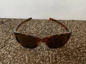 Photo Ladies Oakley Brown Cat Eye Sunglasses - Great condition - $20 (Shawnee)