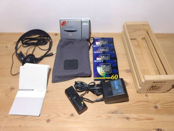 Photo Like Neww Sony MiniDisc Walkman Player Model MZ-E3 With Headphones - $200 (independence)