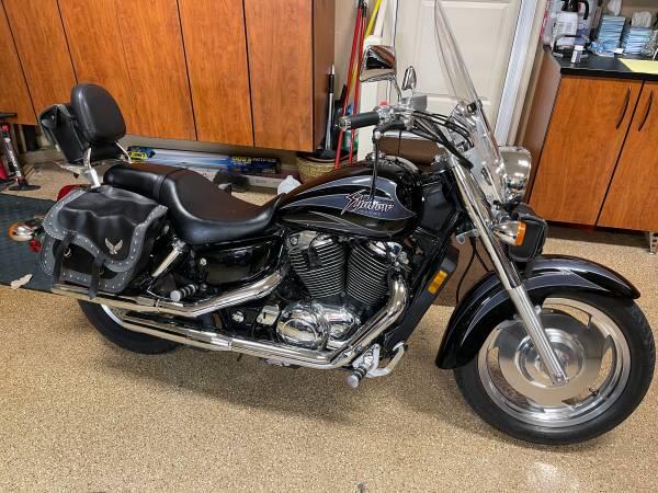 Photo MINT - 2001 Honda Shadow 1100 - $3,500 (Olathe)