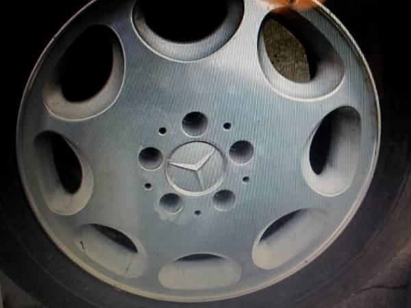Photo Mercedes Benz, Lexus Alloy Wheels, Miscellaneous Wheel Covers, Parts (Belton  Raymore)