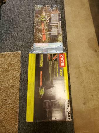 Photo NEW RYOBI RY4061B 24 INCH 40-VOLT LITHIUM-ION CORDLESS HEDGE TRIMMER - $77