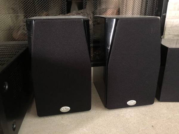Photo NHT Surround Soundbar Speakers  Center Channel - $250 (Olathe)