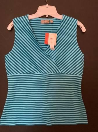 Photo NWT Ladies Croft  Barrow Medium Blue Striped Sleeveless Cotton Top - $12 (Shawnee)