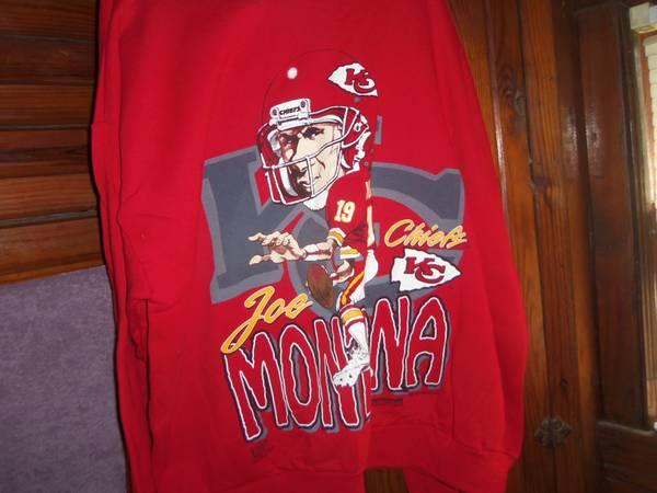 New Joe Montana Sweat Shirt size 3 X - $20 (Kansas City Ks)