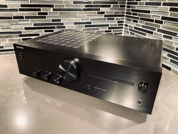 Photo Onkyo A-9110 Integrated Amplifier  Mint in Box - $220 (Prairie Village)