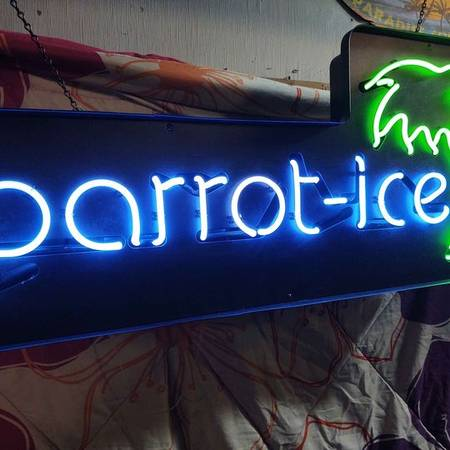 Photo Parrot Ice Neon Sign Snow Cone Shaved Ice Snow - $150 (Paola, Ks)