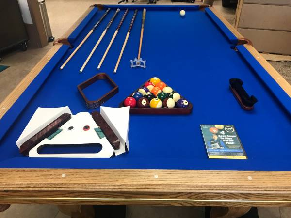 Photo Pool Table , 8 foot like new golden west - $1400 (Leawood)