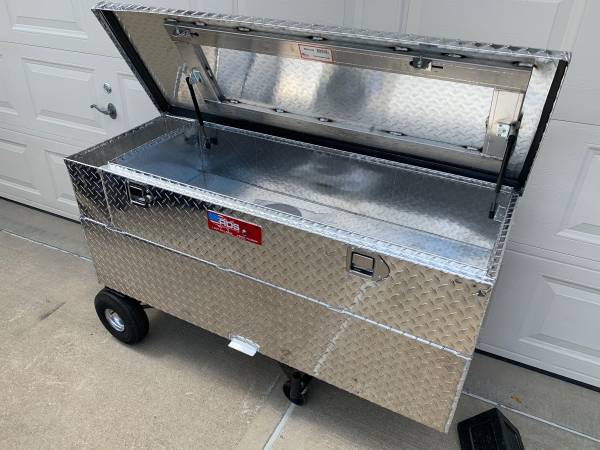 Photo RDS Diesel fuel tank and toolbox Combo RDS - $559 (Blue Springs)