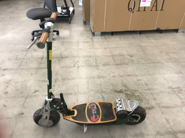 Photo SCOOTERS - ELECTRIC  GAS POWERED - STAND UP - USED (M  M MOTORSPORTS 1100 E 10TH HOLDEN MO)