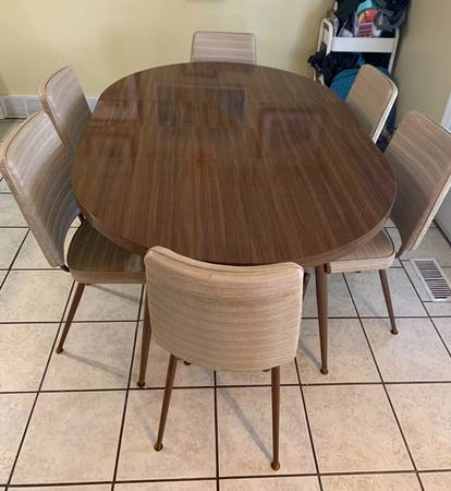 Photo Vintage 1960 1970 Mid Century Modern Retro Dining Table  Chairs - $450 (Prairie Village)