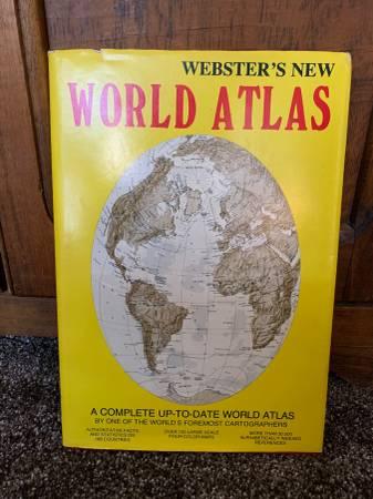 Photo Webster39s New World Atlas (1982 Hardback) Kimberlee Press - $9 (Shawnee)