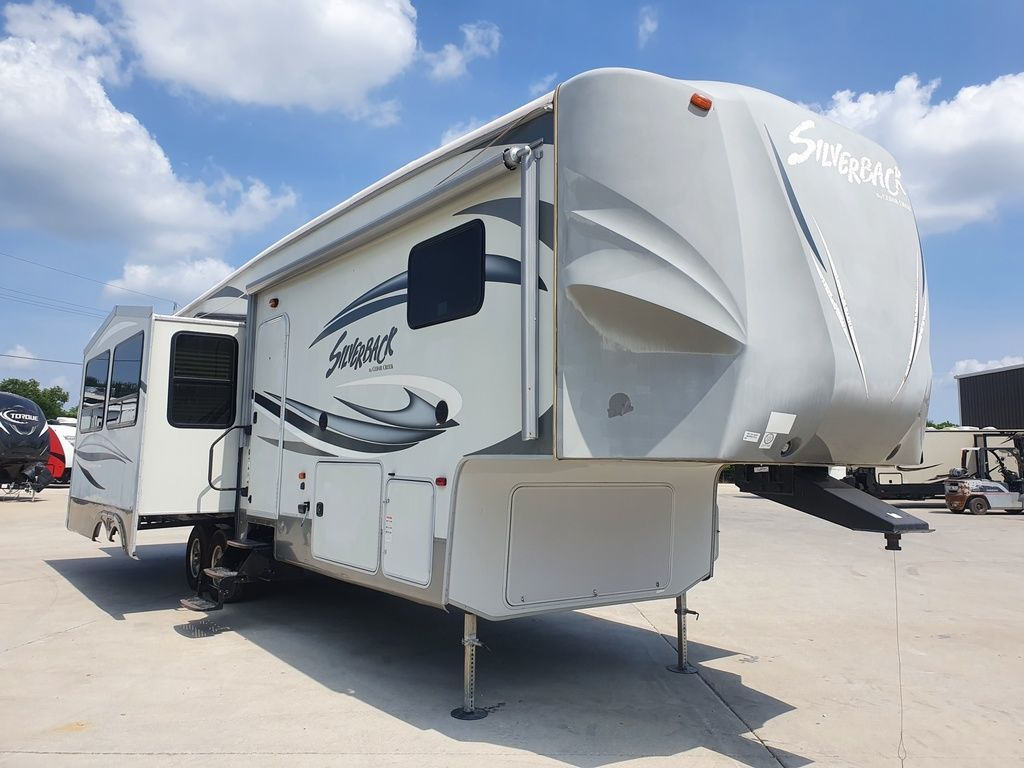 Photo Used 2014 Forest River Fifth Wheel RV  $26500