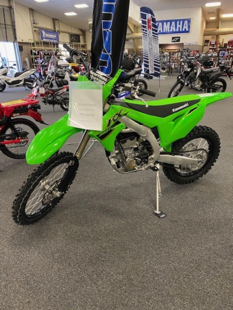 Photo 2022 Kawasaki Dirt Bike Motorcycle  $9499