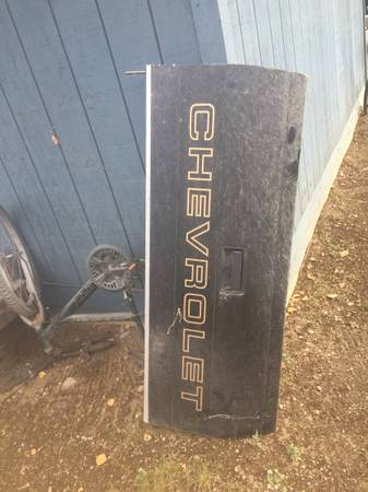 Photo 1989 Chevy step side tail gate REDUCED - $75 (Big Lake)