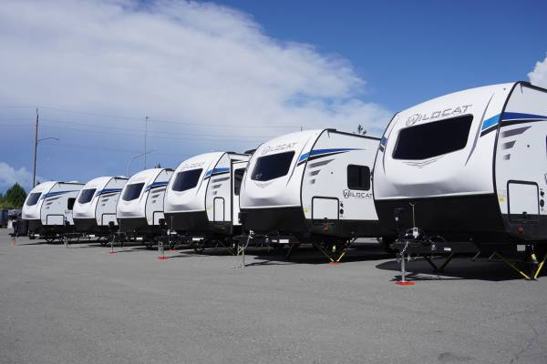 Photo 2021 Wildcat Travel Trailers In Stock Now  Frontier Auto  RV Sales (get pre approved today  www.frontierautosales.org)