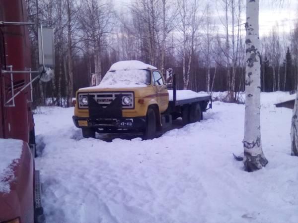 Photo 76 gmc flatbed - $3,000 (Big lake)