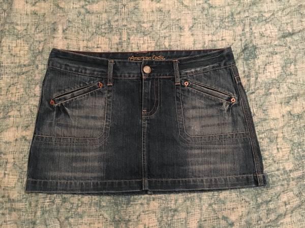 Photo American Eagle Skirt - Size 10 - $15 (Wasilla)