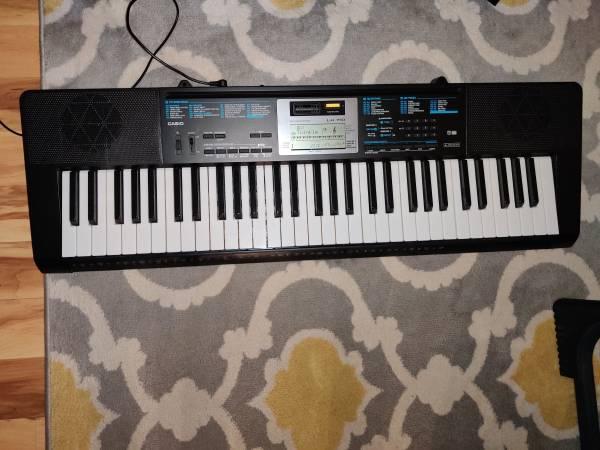 Photo Casio LK-170 Keyboard Piano - $100 (Anchorage)