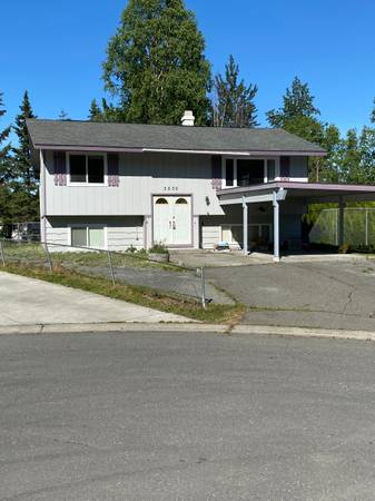Photo Heat Paid Upper Unit Duplex with deck and fenced yard (Near Baptist Temple off Northern Lights)