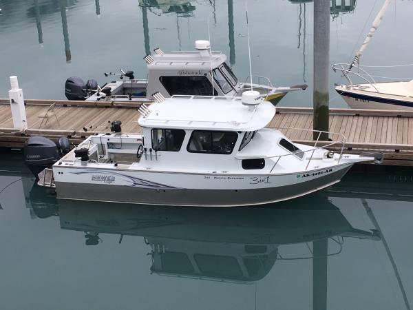 Photo Hewes Craft 240 pacific explorer - $105,000 (Kenai)