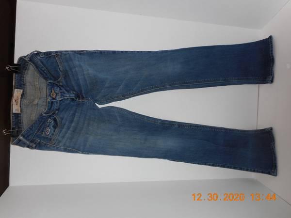Photo Hollister California Jeans - $14 (Moose Pass)