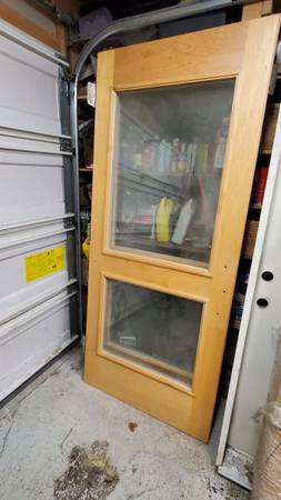 Photo Maple and glass doors - $100 (Anchorage)