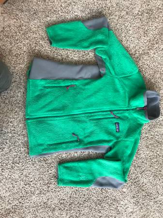 Photo Patagonia Fleece Womens S and XS - $40 (Anchorage)