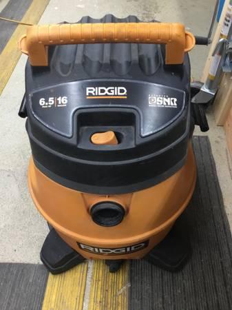 Photo Ridgid vacuum 6.5 peak 16 gal -two filters - $50 (Eagle River)
